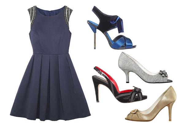 Vestido azul marinho combina com que sandalia